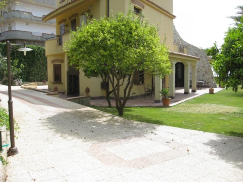 Vendita villa singola villino a reggio calabria rc via for Case in vendita reggio calabria