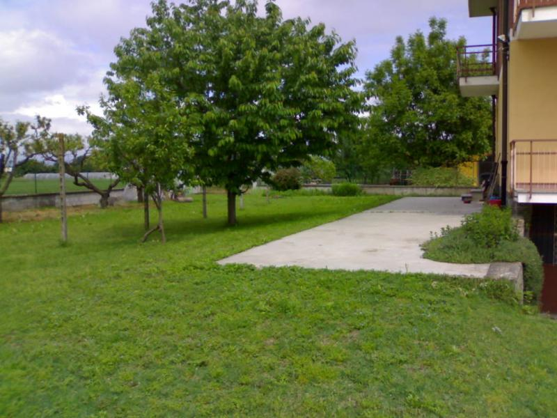 Vendita villa bifamiliare a settimo torinese to via for Comprare garage indipendente