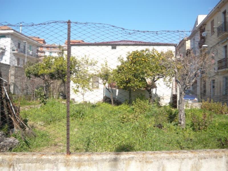Vendita casa indipendente a eboli sa via chopin euro for Case affitto eboli arredate