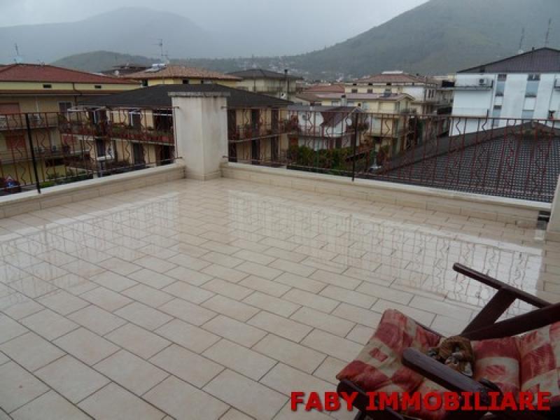 Sottotetto grezzo con terrazzo cantinola - Alzare tetto casa ...