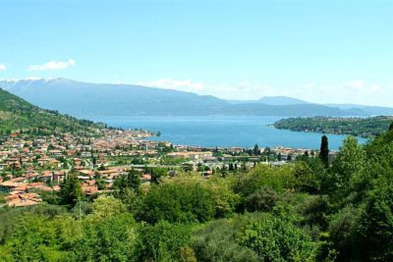 Annunci immobiliari gratuiti provincia di brescia for Piani di case in collina per lotti in pendenza