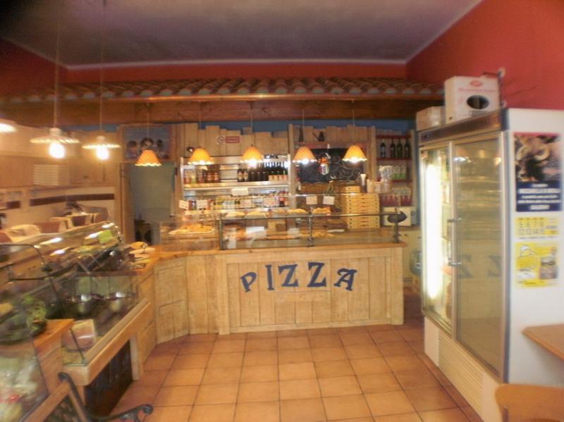Annunci immobiliari gratuiti provincia di prato for Arredamenti pizzerie al taglio