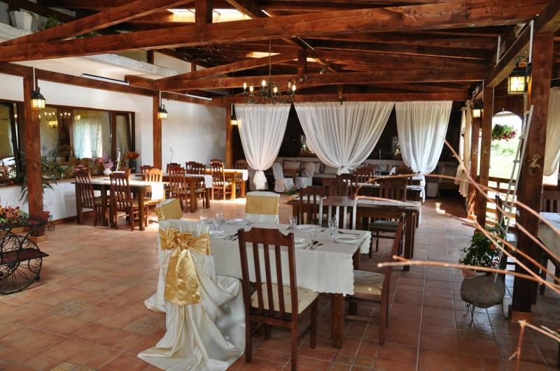 Vendita albergo hotel a bistrita romania cartier unirea 445 euro 180000 3000mq - Agenzie immobiliari bucarest ...