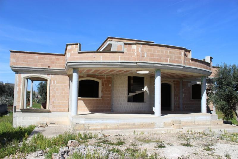 Cerchi annunci immobiliari gratuiti a galatone le for Case di ranch su due livelli