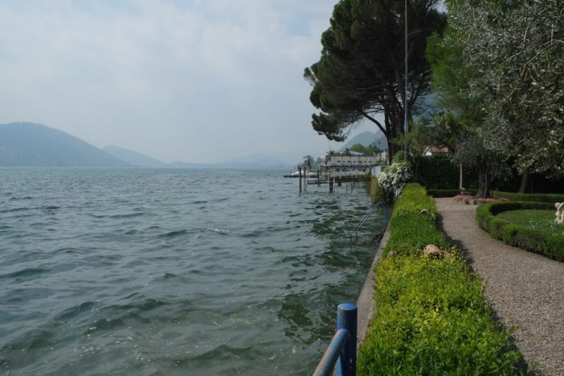 Villa In Vendita Vista Lago Predore