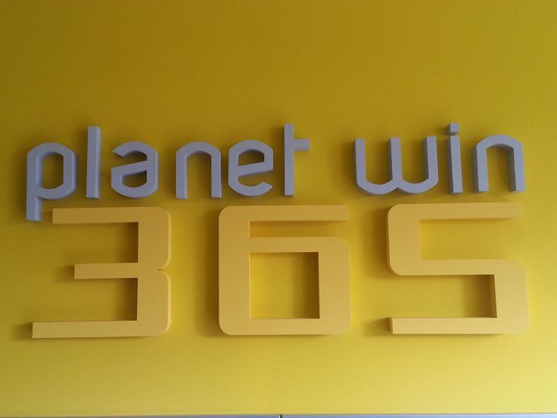 Vendo Agenzia Scommesse Planetwin365 Torino