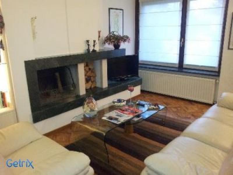 Vendisi villa su singolo piano for Casa a piano singolo