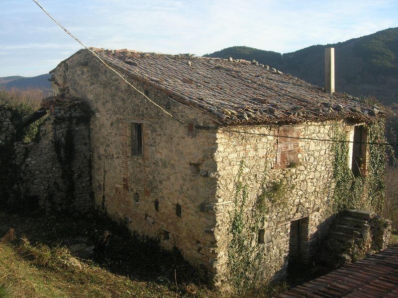 Casale in pietra da ristrutturare - Ristrutturare casale in pietra ...
