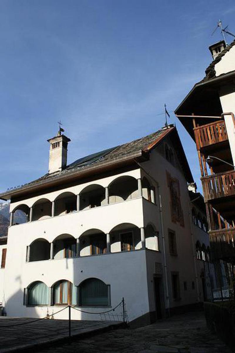 Appartamento due piani con terrazza for Appartamento a due piani