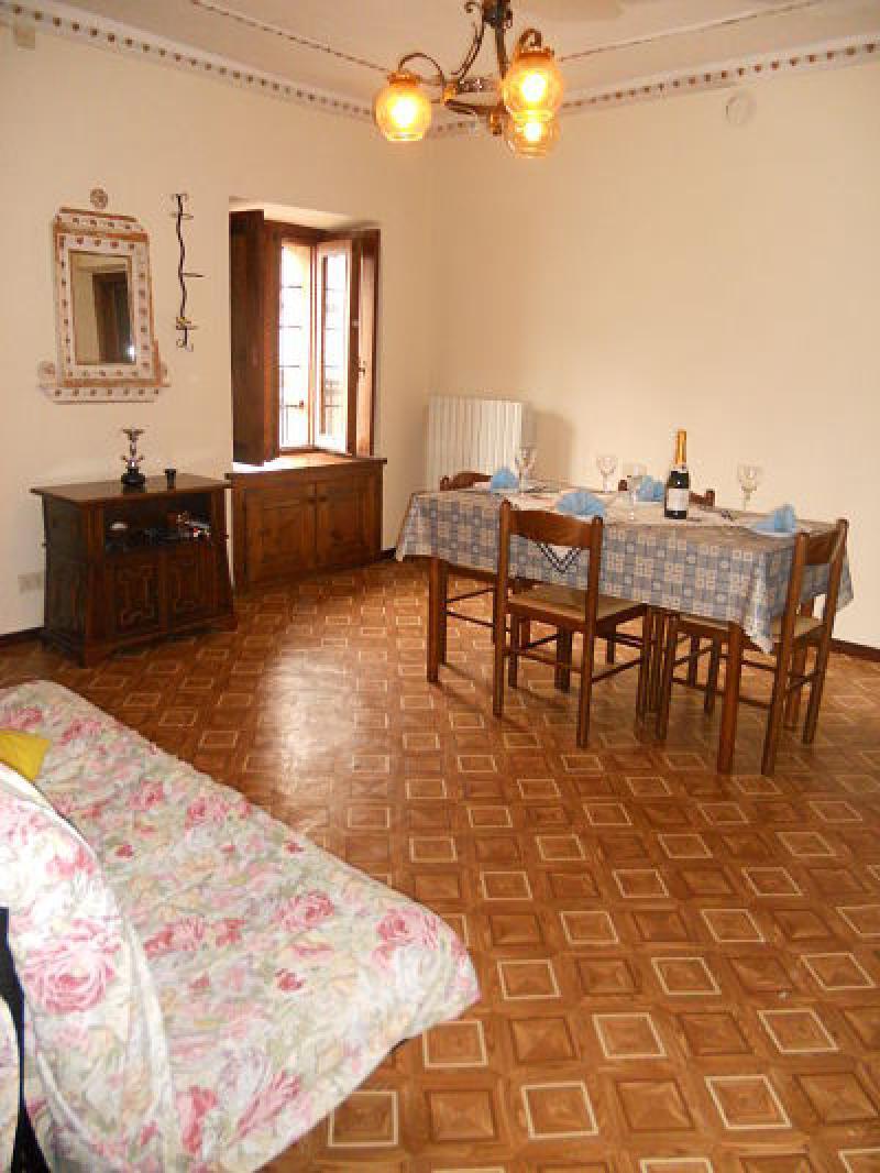 Appartamento due piani con terrazza for Due piani con una camera da letto e un bagno