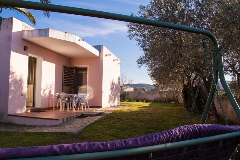 Villetta con giardino budoni for Case affitto a budoni