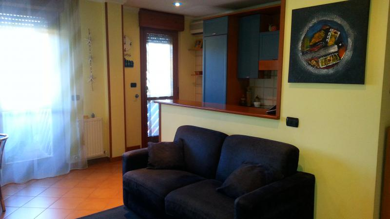 Appartamento rebibbia via nasini for Vendesi appartamento a roma