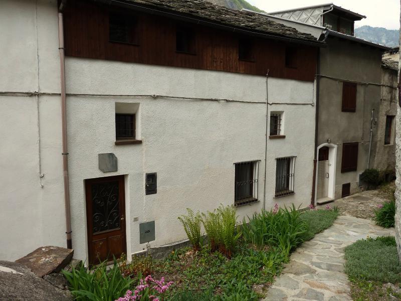 Cerchi annunci immobiliari di privati di case in provincia for Piani di cabina di log gratuiti
